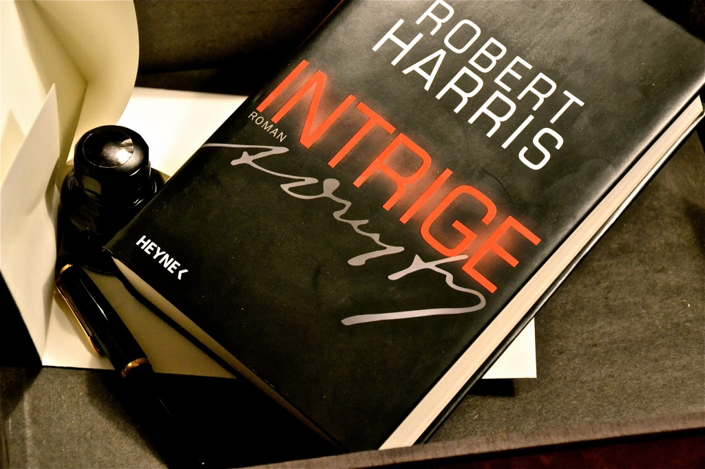 Robert Harris: Intrige