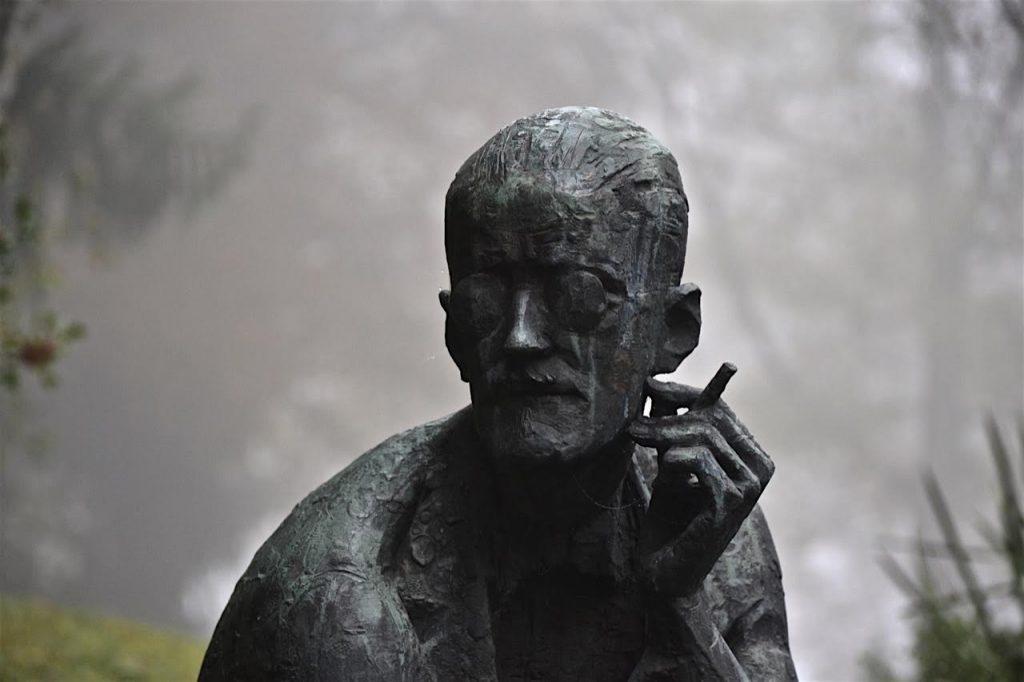 Zürich: Das Grab von James Joyce auf dem Friedhof Fluntern