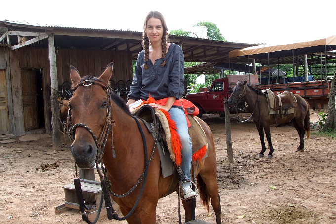 Autorin Tina Ger im brasilianischen Pantanal