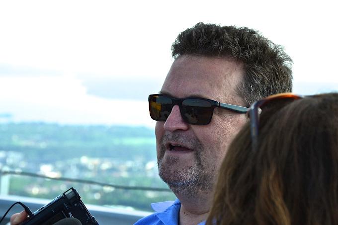 Mit Erik Fosnes Hansen auf dem Holmenkollen